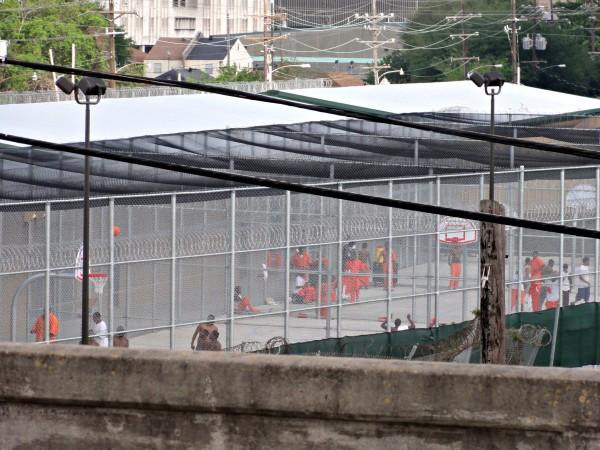 Inmates-prison-guard-jail