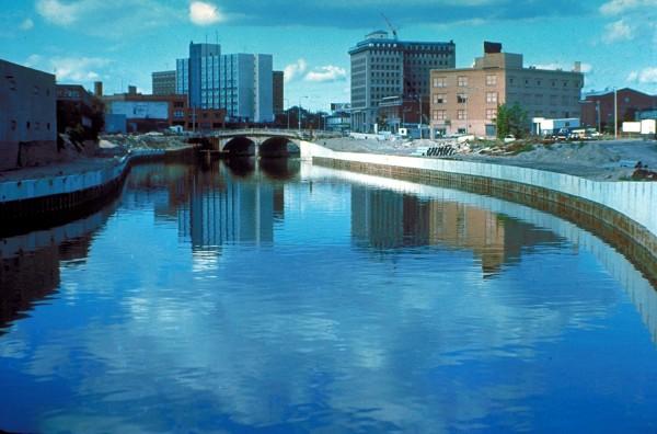 Flint_River_Flint_Michigan_water_crisis_snyder