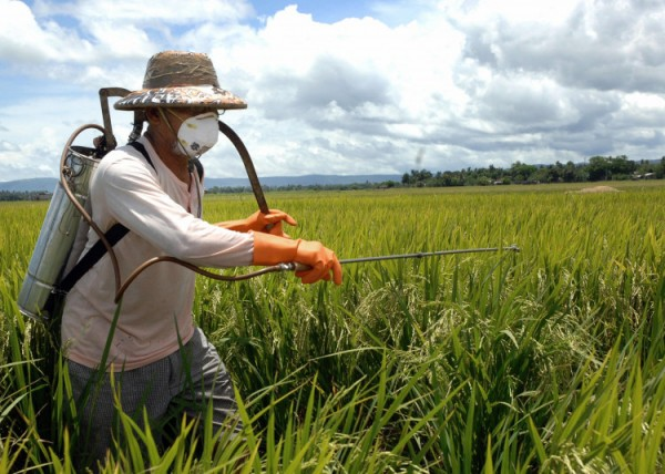 pesticide-farms-toxins