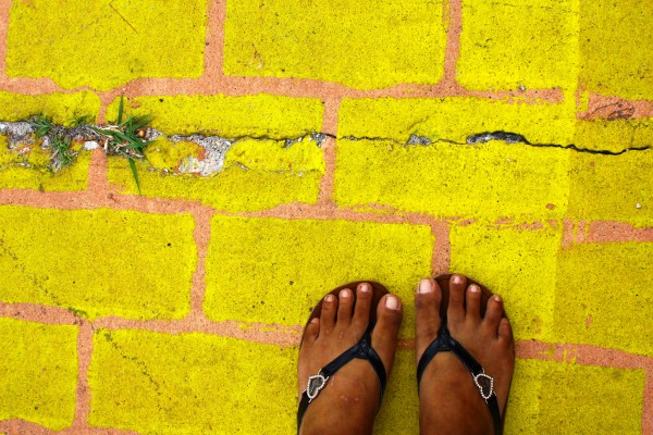 yellow-brick-road-immigran-women